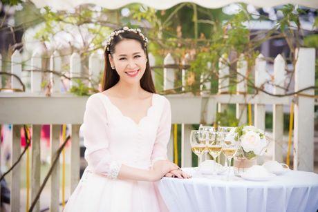 A hau Tu Anh, Thanh Tu chuc mung Ngoc Han thanh 'ba chu' - Anh 13