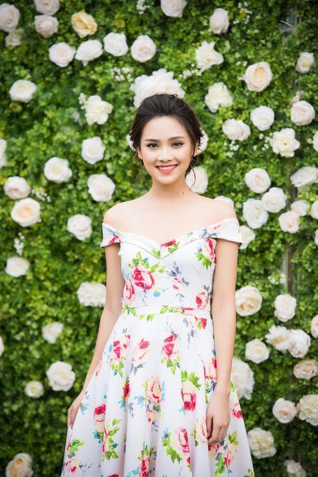 A hau Tu Anh, Thanh Tu chuc mung Ngoc Han thanh 'ba chu' - Anh 7