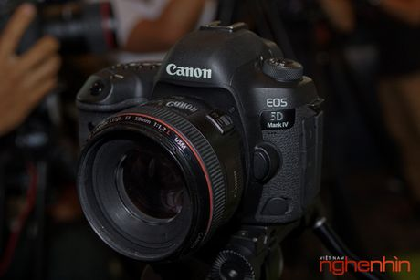 Canon EOS 5D Mark IV len ke Viet gia tu 75 trieu - Anh 4