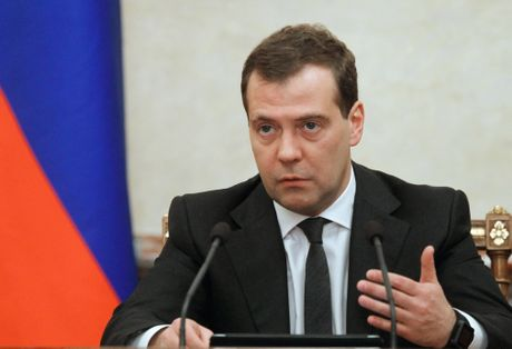 """Medvedev: Nga can dieu chinh """"co may nha nuoc"""" - Anh 1"""