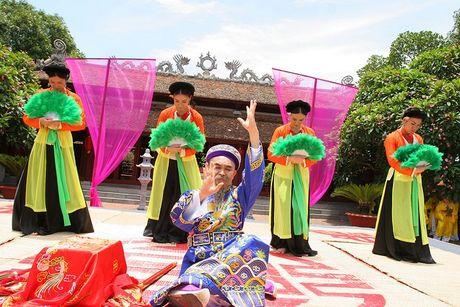 Nghe sy Hong Van: ' Bau show xep hang moi Xuan Hinh dien' - Anh 2
