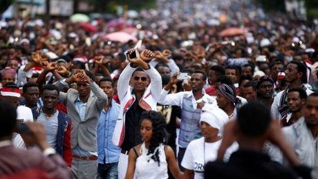 It nhat 50 nguoi chet do bi giam dap tai le hoi ton giao o Ethiopia - Anh 1