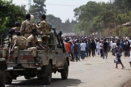 It nhat 50 nguoi chet do bi giam dap tai le hoi ton giao o Ethiopia - Anh 2