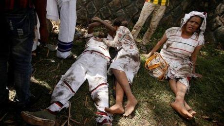 It nhat 50 nguoi chet do bi giam dap tai le hoi ton giao o Ethiopia - Anh 5