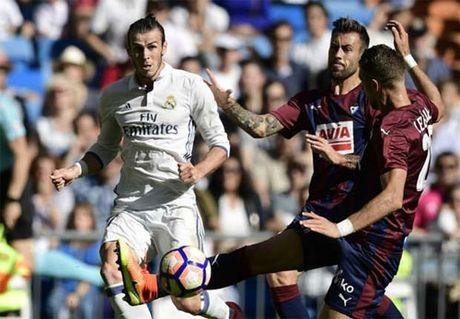 Real Madrid 1-1 Eibar: Bat ngo tai Bernabeu - Anh 1