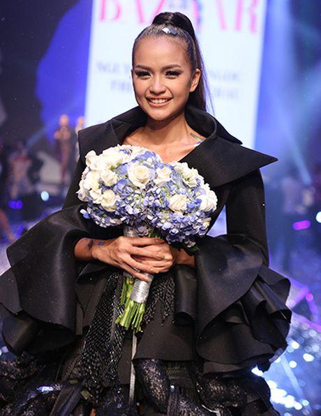 Ngoc Chau dang quang Vietnam's Next Top Model 2016 - Anh 1