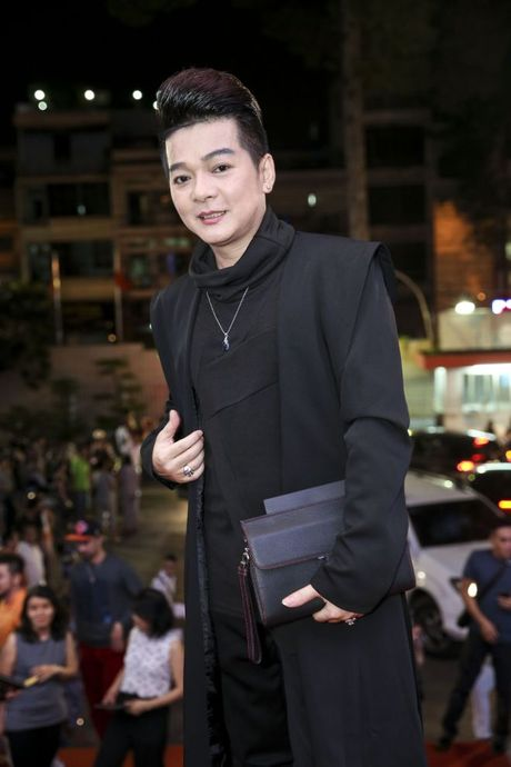 Thu Minh om hon tham thiet Dam Vinh Hung trong dem thu 2 cua 'Diamond Show' - Anh 10