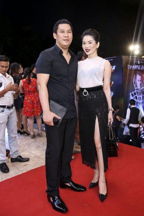 Thu Minh om hon tham thiet Dam Vinh Hung trong dem thu 2 cua 'Diamond Show' - Anh 11