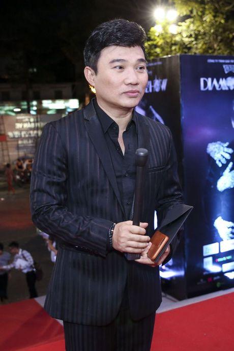 Thu Minh om hon tham thiet Dam Vinh Hung trong dem thu 2 cua 'Diamond Show' - Anh 14