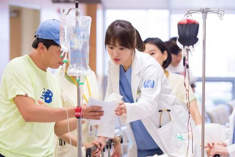 Duong Yen, Trieu Le Dinh, Trinh Sang 'ru nhau' lot vao Top 10 nu than Chau A - Anh 3