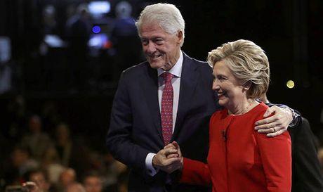 Trump nuot loi, doa xoi tung chuyen ngoai tinh cua ong Bill Clinton - Anh 1