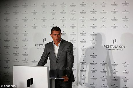 Ronaldo khai truong khach san tri gia 54 trieu bang - Anh 4
