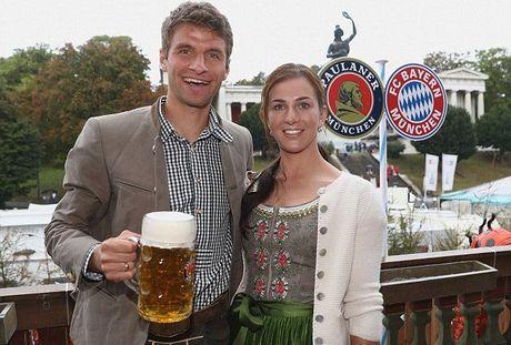 Bolt do suc voi sao Bayern o le hoi bia lon nhat the gioi - Anh 5