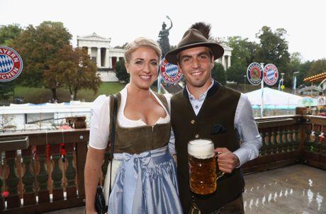 Bolt do suc voi sao Bayern o le hoi bia lon nhat the gioi - Anh 6