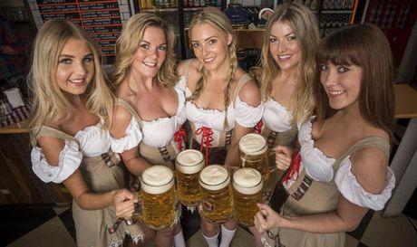 Bolt do suc voi sao Bayern o le hoi bia lon nhat the gioi - Anh 10