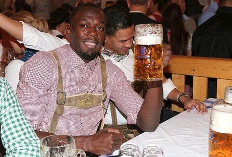 Bolt do suc voi sao Bayern o le hoi bia lon nhat the gioi - Anh 1