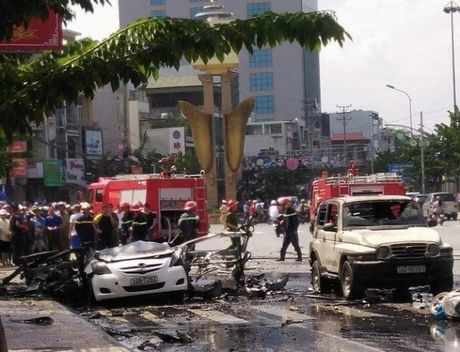 No o to truoc cong UBND Cam Pha: Danh tinh cac nan nhan - Anh 1