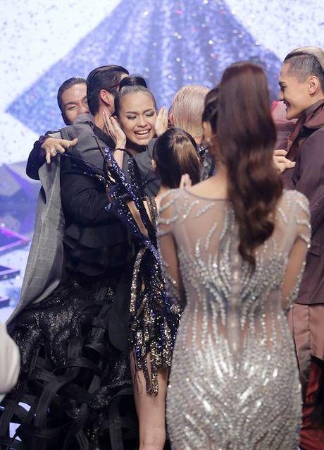 Vietnam's Next Top Model: Vi sao co gai cao 1m54 khong the la quan quan? - Anh 10