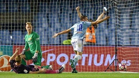 Ter Stegen xin loi dong doi vi ban thua ngo ngan truoc Celta Vigo - Anh 1
