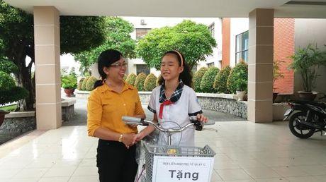 Phu nu thanh pho chung suc vi cong dong - Anh 1