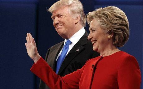 Ung cu vien Clinton gay quy ky luc trong cuoc chay dua vao Nha Trang - Anh 1
