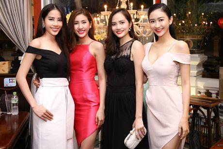 Nam Em - Bao Nhu than thiet truoc ngay len duong thi Hoa hau - Anh 4
