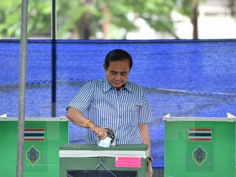 Thai Lan: Mot nhom nghi sy muon lap dang moi de 'giu ghe' - Anh 1