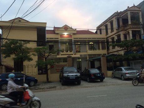 Nghi van Vien truong VKS tu gay thuong tich - Anh 1