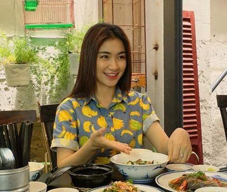 Cuoc song cua Hoa Minzy thay doi the nao sau chia tay ban trai? - Anh 13
