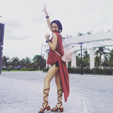 Cuoc song cua Hoa Minzy thay doi the nao sau chia tay ban trai? - Anh 25