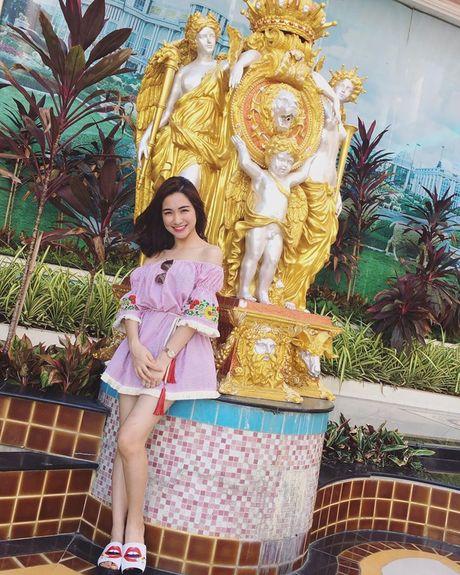 Cuoc song cua Hoa Minzy thay doi the nao sau chia tay ban trai? - Anh 6