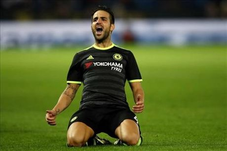 Chelsea muon day Fabregas sang Milan de lay hau ve - Anh 1