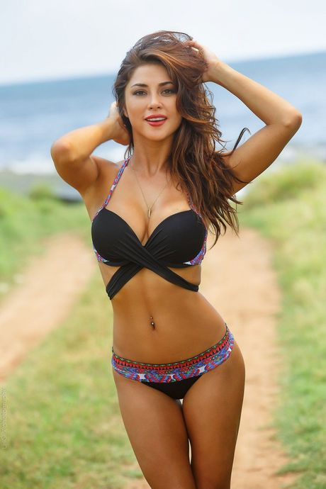 Top 20 nang Ring-girl sexy nhat the gioi (Ki 14): Arianny Celeste - Anh 2