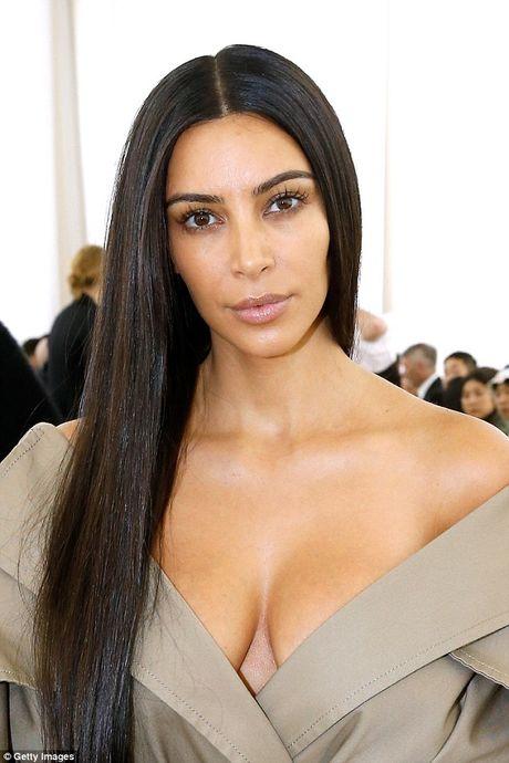 Kim Kardashian tu tin de mat moc di su kien - Anh 5