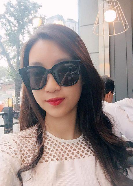 Hoa hau Do My Linh tre trung hon voi kieu toc moi - Anh 8