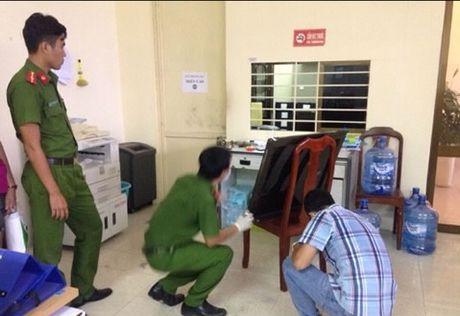 Bat doi tuong dot nhap San bay Da Nang pha ket sat - Anh 2