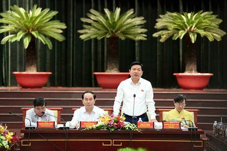 Chu tich nuoc Tran Dai Quang: Doanh nhan phai vung chac, tiep tuc giu TP.HCM o vi the dau tau - Anh 2