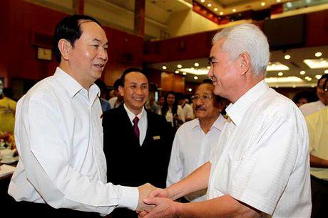 Chu tich nuoc Tran Dai Quang: Doanh nhan phai vung chac, tiep tuc giu TP.HCM o vi the dau tau - Anh 4