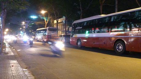 TP.HCM quyet xu ben xe khach 'lau', cong ty Thanh Buoi keu cuu - Anh 1