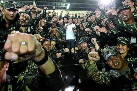 Philippines ro tin dao chinh, quan doi chinh thuc len tieng - Anh 1