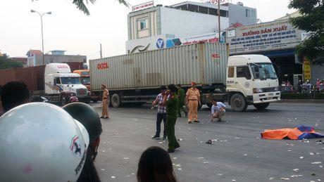 Hai Phong: Va cham xe container, hai anh em chet tham - Anh 1