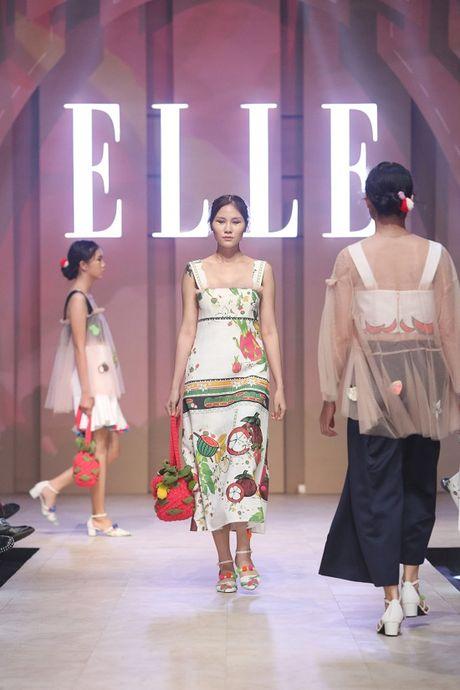 6 xu huong thoi trang len ngoi tu san runway Elle Fashion Journey 2016 - Anh 11