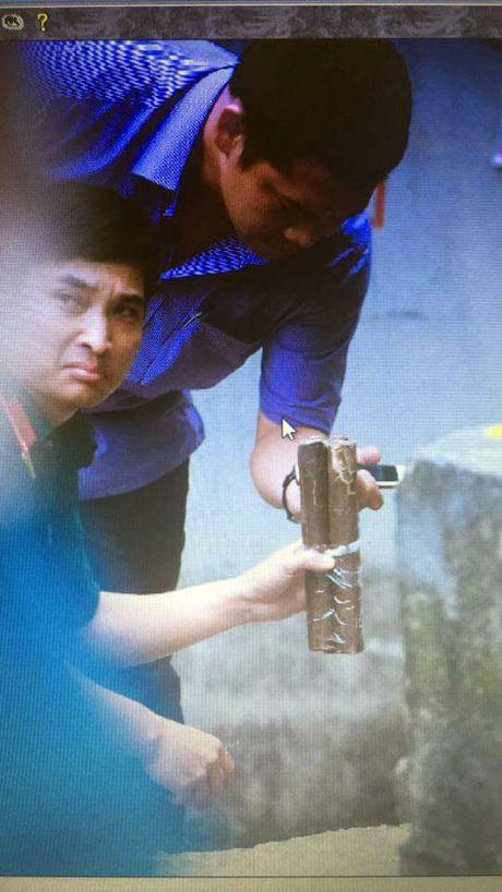 Phat hien vat the nghi la min tren pho Nguyen Khoai, Ha Noi - Anh 2