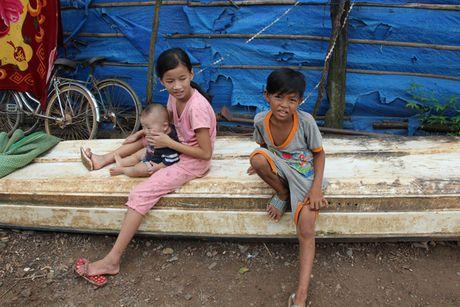 Dam bao viec hoc tap cho tre em Viet kieu tu Campuchia ve Viet Nam - Anh 2