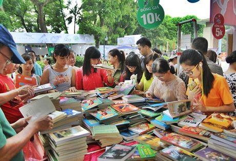 Ha Noi to chuc Hoi Sach tai Hoang Thanh Thang Long - Anh 1