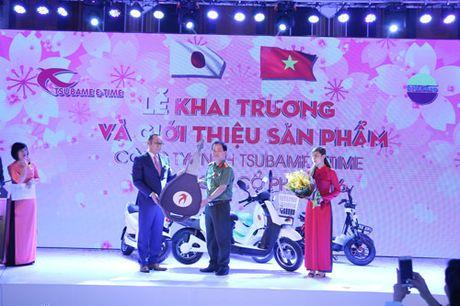 Tsubame E-time manh tay tang 100 xe may dien cho Cong an Ha Noi - Anh 2