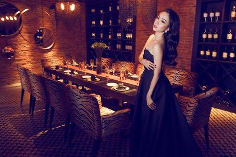 Linh Nga khoe dang trong trang phuc don sac - Anh 8
