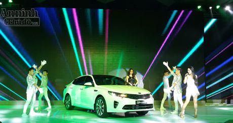 THACO ra mat mau xe sedan cao cap Kia Optima moi gia 900 trieu dong - Anh 2