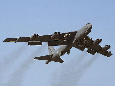 My 'khai quat' phao dai bay B-52H tu 'nghia dia' bien che cho khong quan - Anh 1