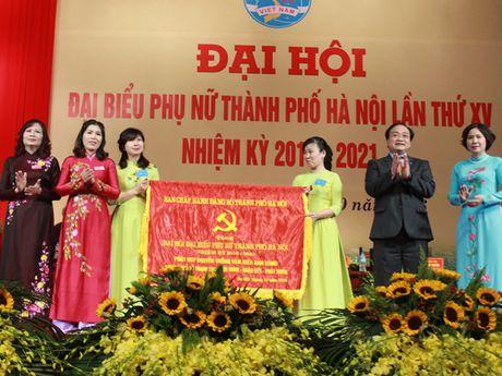 Phu nu chu dong, tich cuc gop suc xay dung Thu do - Anh 2